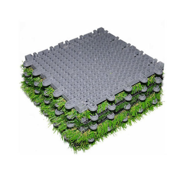 Interlocking artificial grass ()